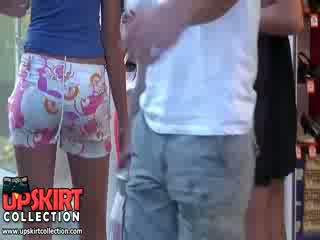 Horký holky v kořist zkurvenej zkurvenej pants velmi rychle vyrobený the člověk cítit the hardon v jeho pants