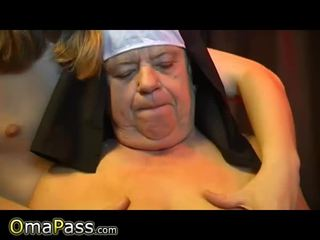 Two old Grannies masturbate Video