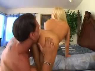 Cassie noor takes a suur riist video