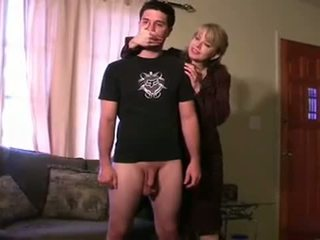 处罚 由 step-mom 和 neighbour