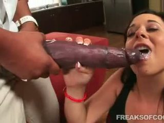 Soaked porn floozy aarielle alexis stuffs onu ağız ile bir öğürerek ponpon kız