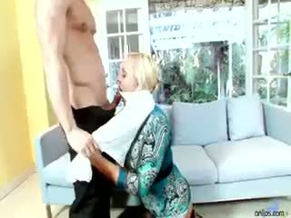 mugt big boobs you, mature, Iň beti blonde