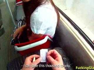 Ficken brille - gefickt für bargeld in der nähe von die bus aufhören