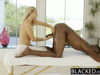 Blacked 美しい ブロンド karla kush loves massaging bbc