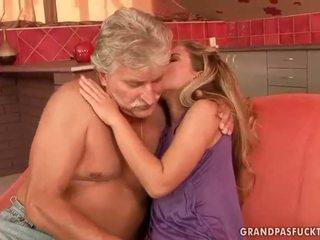 Старий guys vs підліток bitches