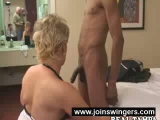 เซ็กส์ระหว่างคนต่างสีผิว แก่แล้ว swingers