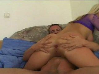 Anastasia christ getting 她的 每日 dose 的 cream 后 blistering 肛交 pounding