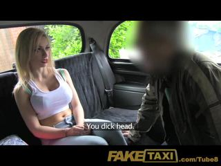 Faketaxi jung blond mit groß titten im taxi sahnetorte