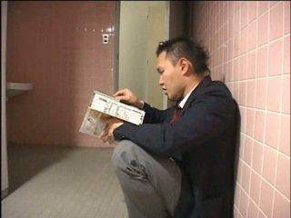 יפני, 69, מורה, תלמידות