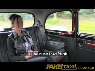 Faketaxi 私 精液 で 彼女の 尻 で ザ· バック の 私の taxi