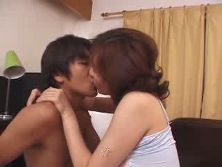 Jaapani kasuema kuritarvitatud poolt kiimas husbands poeg video