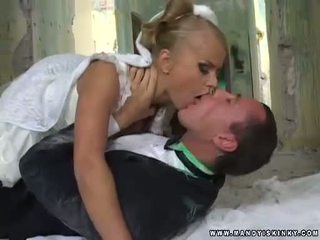 Vámpír menyasszony dora venter szopás neki grooms nagy fasz