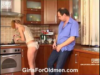 Emilie og hubert cutie og oldman scene