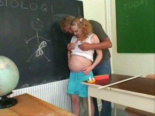 Έγκυος έφηβος/η γαμώ