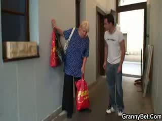 u oma, groot volwassen groot