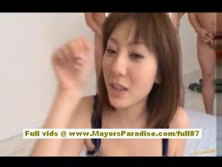 Yuma asami azijietiškas mažutė gives an nuostabus čiulpimas