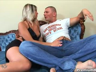 على الانترنت الجنس عن طريق الفم, الجنس المهبلي, قوقازي