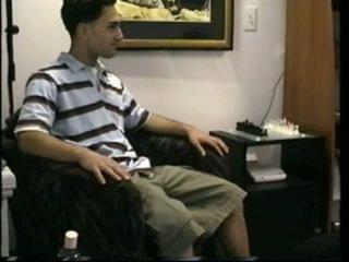 Paulie strokes và massages của anh ấy ramrod
