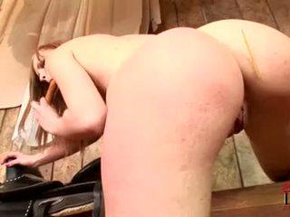Gitta biondo needs suo oozing sveltina scopata da di più poi questo dildo