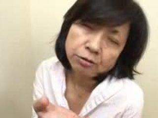 Japānieši māte sucks swallows & squirts