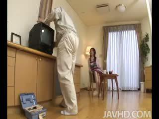 Lonely manželka nanako yoshioka seduces the televízie oprava guy