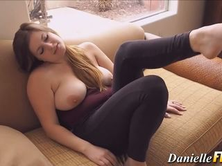 Solo naturally vollbusig mieze, kostenlos vollbusig solo hd porno 77