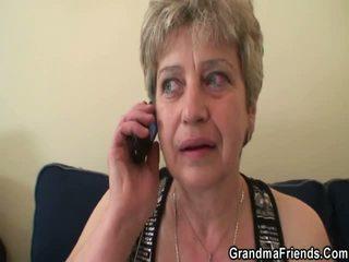 หยาบคาย grandmother gets คู่ pork daggers