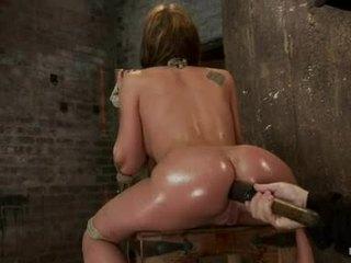 Amy brooke hog fastened su a didžiulis dildo pushed į jos wazoo