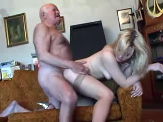 Senas senelis fucks jaunas blondinė