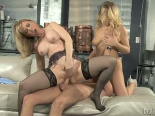 Nina hartley bounces henne moist p.