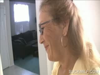 แม่ และ สาวๆ การดูด a dong