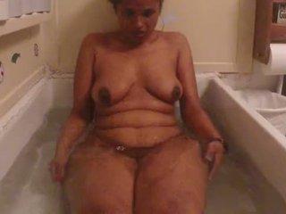インディアン アマチュア ベイブ lily ホット シャワー