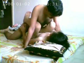 Nxehtë çift having seks në dhomë gjumi