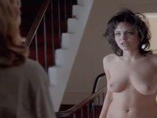 125 Angelina Jolie - Gia hallway Nude