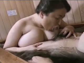 Asiatic matura bbw mariko pt2 bath (no censorship)