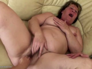 Pissing Lesbians of all Ages Fuck Each other: Free Porn 4c