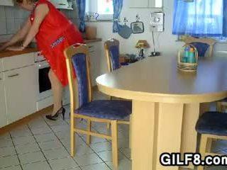 gilf, סבתא, סבתא 'לה, בוגר