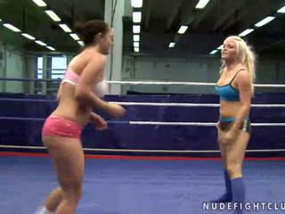 Lesbian fight in the ring gets nasty