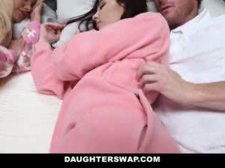 Daughterswap - daughters knullet under slumberparty