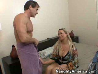 Abbey brooks fucks haar friends echtgenoot