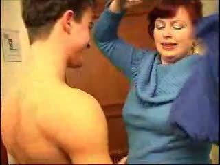 빌어 먹을, 큰 가슴, 빨간 머리, 엄마와 소년