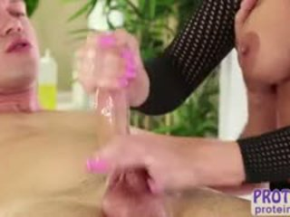 Naughty Britney Amber Gives Sexy Massage