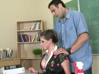 Rachel roxxx je a nadržané učiteľka