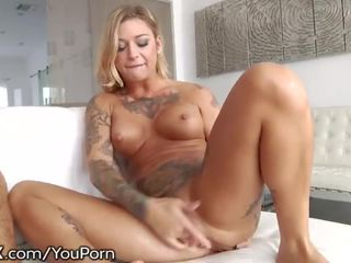 Hardx kleio valentien squirts over and over!