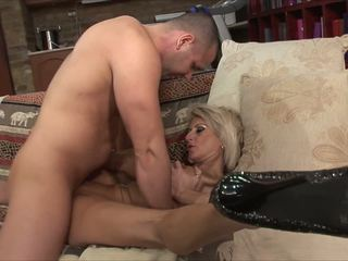 blondes, milfs, old+young