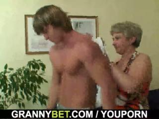 Lonely 60 years starý babičky swallows velký kohout