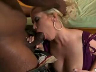 Daring bitch Austin Taylor fits a massive boner ripping off her awesome mouth
