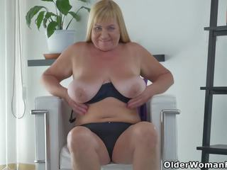 Euro GILF Pem Fucks Her Old Pussy with a Dildo: HD Porn 82