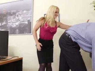 Busty Blond Boss Sarah Vandella Seduces Young Employee <span class=duration>- 6 min</span>