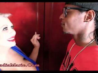 Énorme fake mésange pute claudia marie cheats sur mari avec une noir homme <span class=duration>- 1 min 43 sec</span>